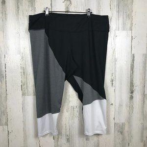 LIVI Active capri legging active wear plus 22/24